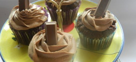 Kitkat cupcake with caramel milk chocolate whipped ganache