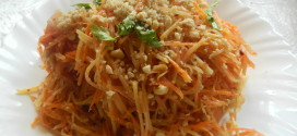 Thai Papaya Salad / Som Tom Salad